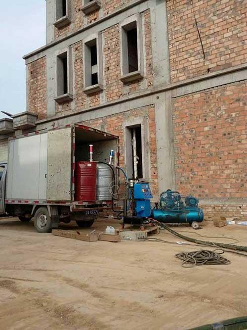 聚氨酯发泡机外墙保温施工案例